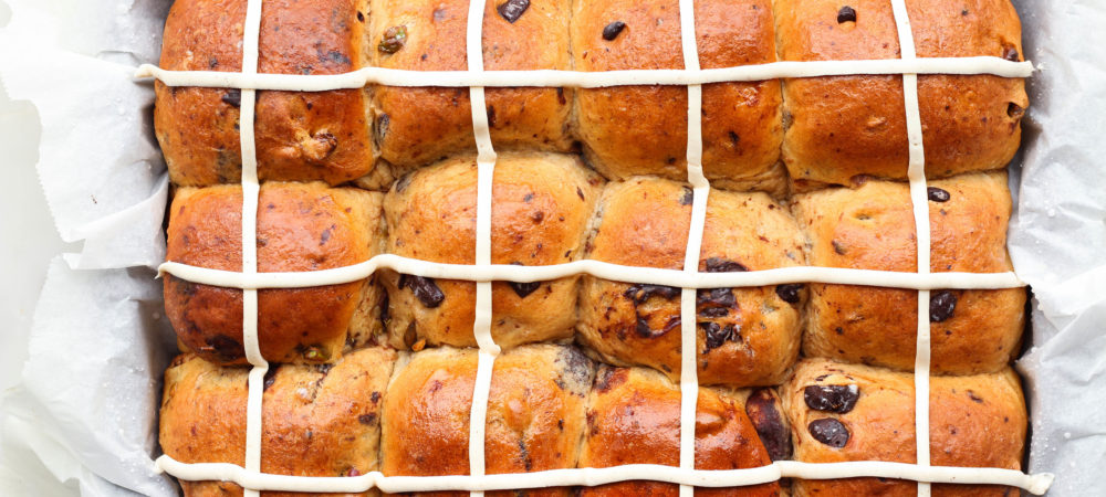 Dark Chocolate Pistachio Hot Cross Buns